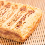 本玉・小本玉(焼き印)の写真。神戸の玉子焼、だし巻の製造・販売メーカー武田食品
