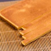 上平の写真。神戸の玉子焼、だし巻の製造・販売メーカー武田食品